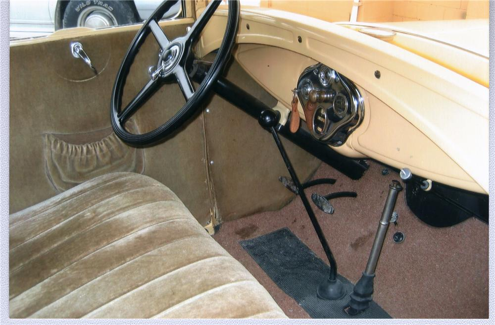 1930 FORD MODEL A COUPE - Interior - 49594