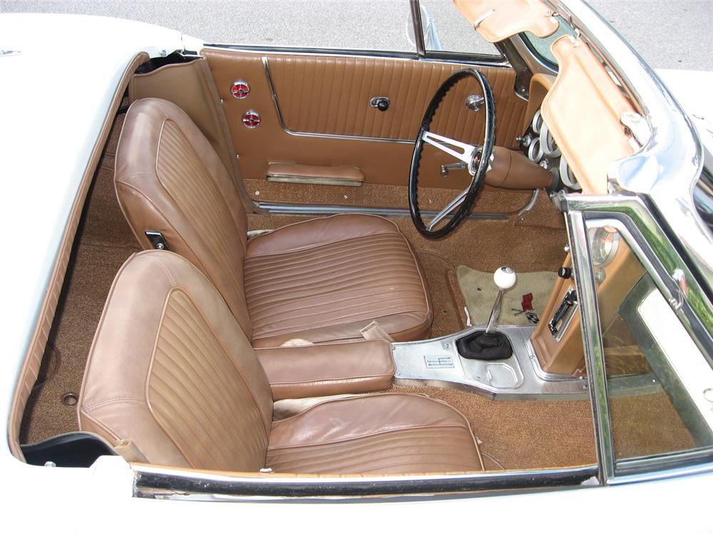 1963 CHEVROLET CORVETTE CONVERTIBLE - Interior - 49619