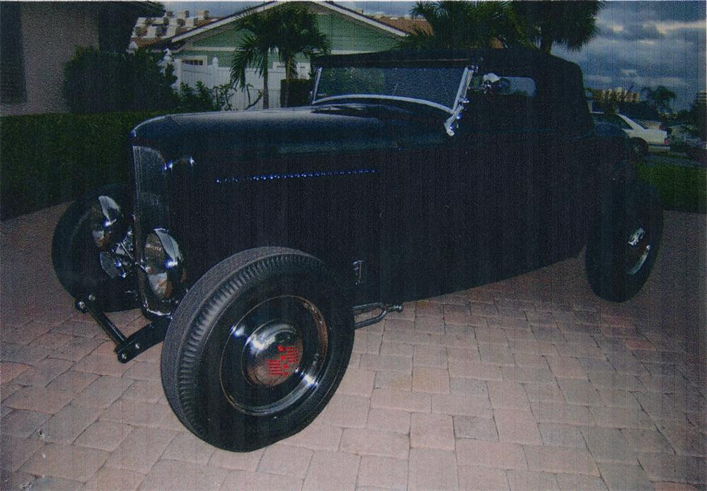 1932 FORD HI-BOY ROADSTER - Front 3/4 - 49640
