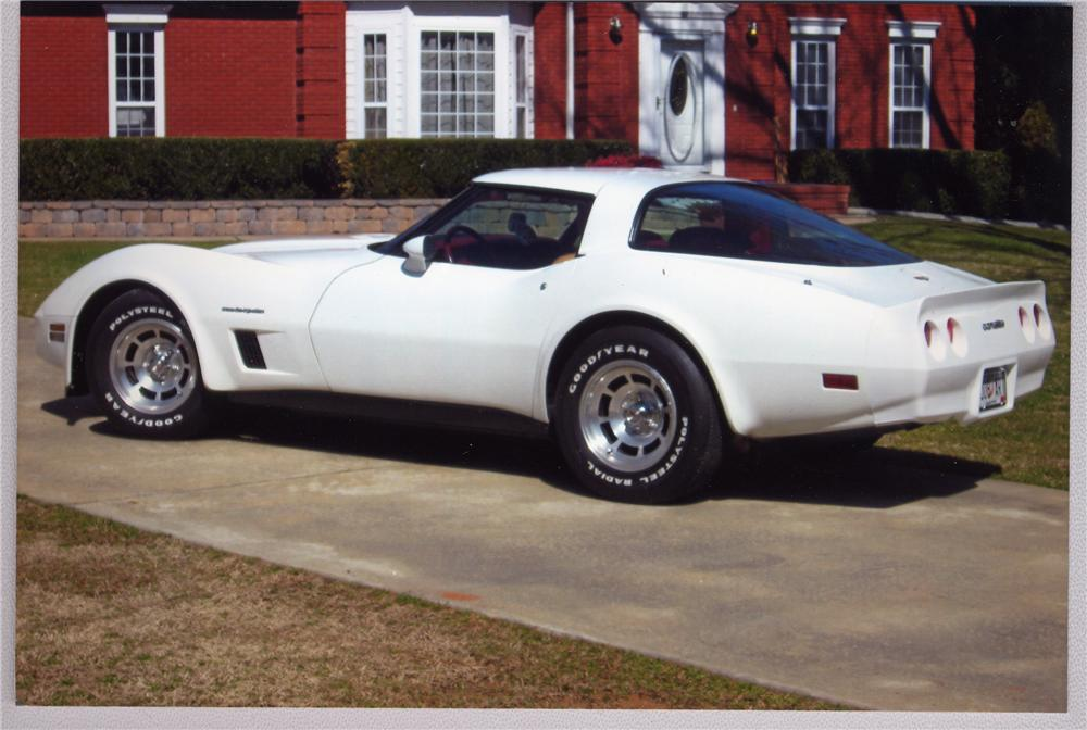 1982 CHEVROLET CORVETTE COUPE - Rear 3/4 - 49647