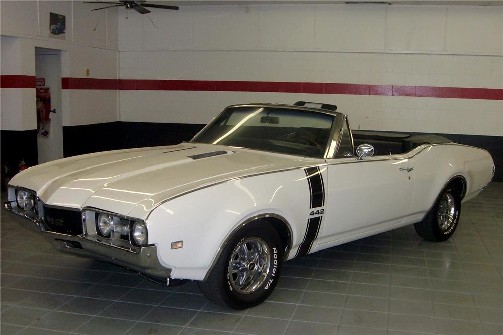 1968 OLDSMOBILE 442 CONVERTIBLE - Front 3/4 - 49660