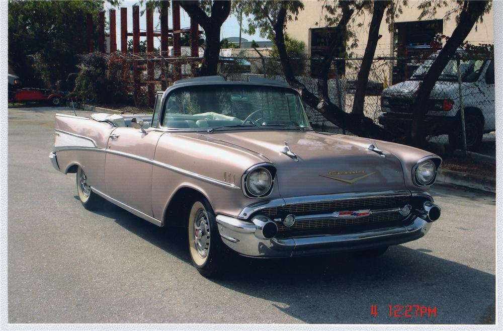 1957 CHEVROLET BEL AIR CONVERTIBLE - Front 3/4 - 49668