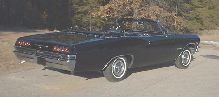1965 CHEVROLET IMPALA SS CONVERTIBLE - Rear 3/4 - 49681