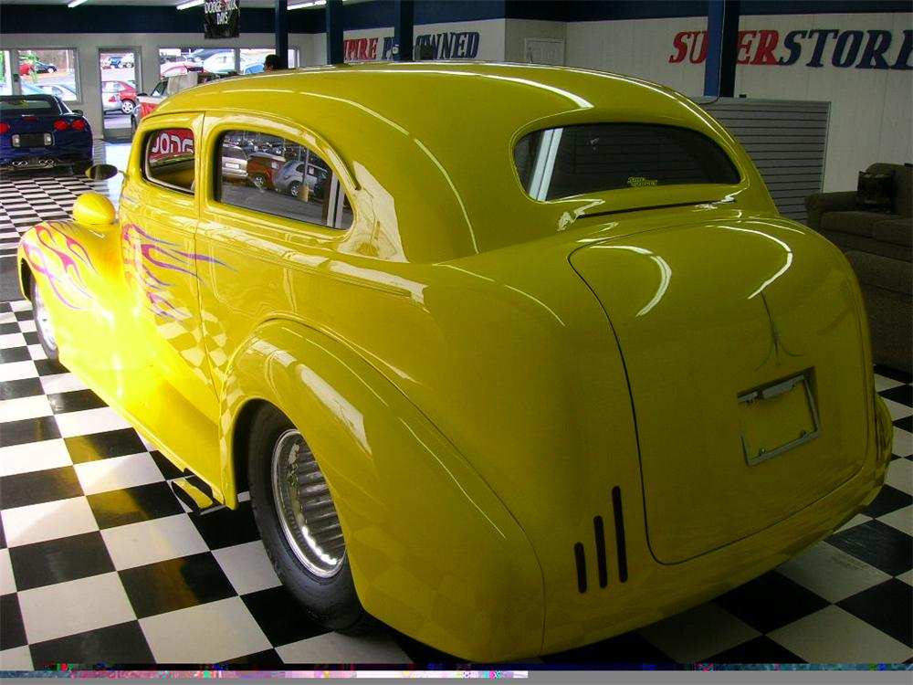 1939 CHEVROLET CUSTOM 2 DOOR - Rear 3/4 - 49697