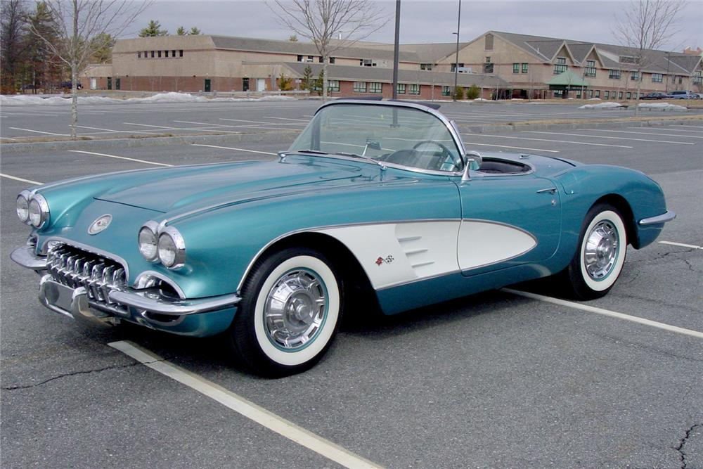 1960 CHEVROLET CORVETTE CONVERTIBLE - Front 3/4 - 49722