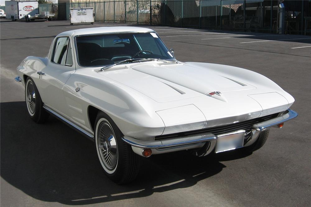 1964 CHEVROLET CORVETTE COUPE - Front 3/4 - 49728