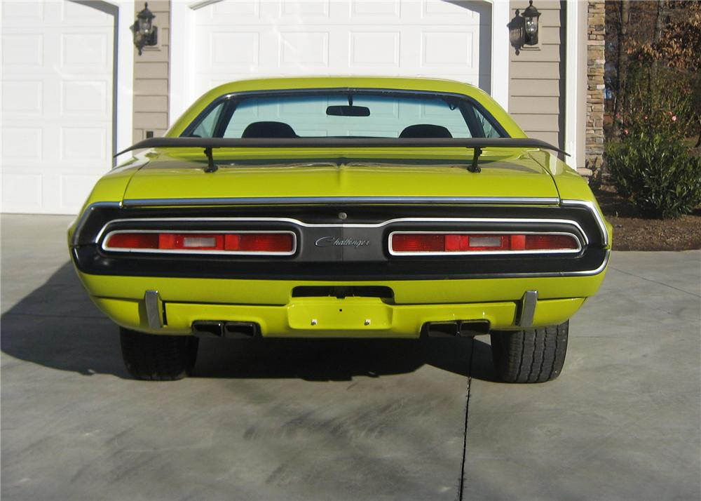 1971 DODGE CHALLENGER R/T COUPE - Rear 3/4 - 49731
