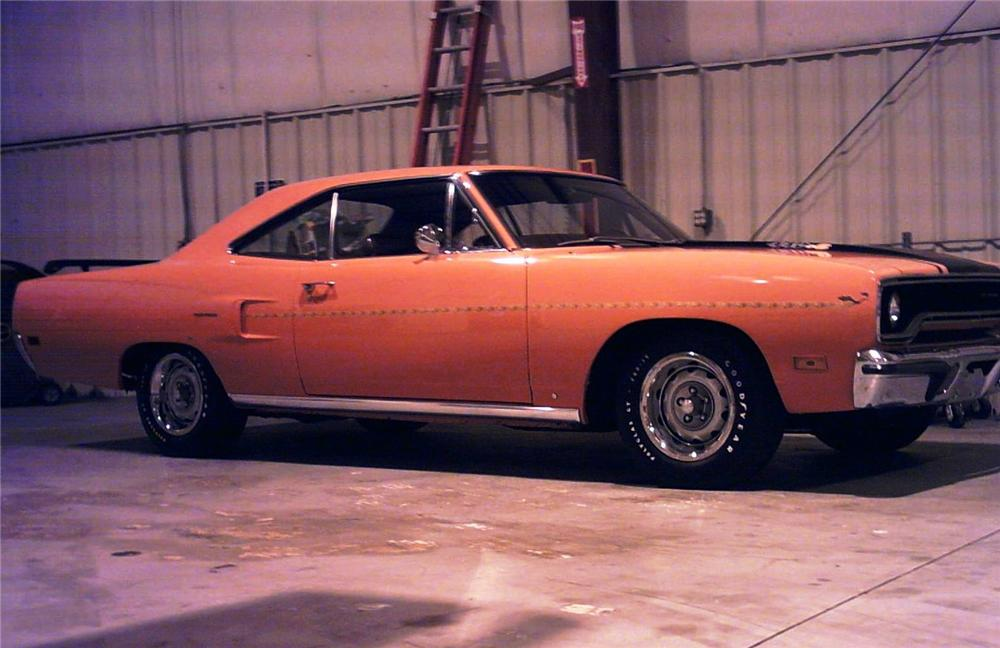 1970 PLYMOUTH ROAD RUNNER 440 SIX PACK - Side Profile - 49732