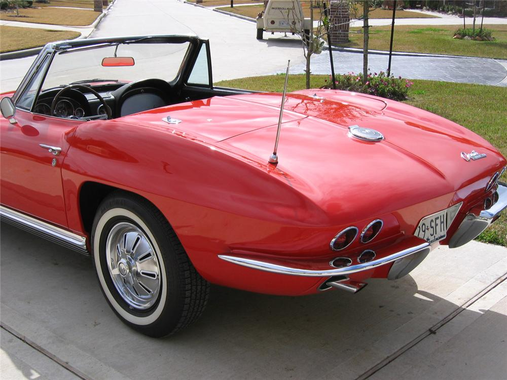 1964 CHEVROLET CORVETTE CONVERTIBLE - Rear 3/4 - 49744