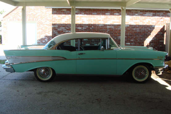 1957 CHEVROLET BEL AIR 2 DOOR HARDTOP - Front 3/4 - 49748