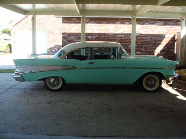1957 CHEVROLET BEL AIR 2 DOOR HARDTOP - Side Profile - 49748