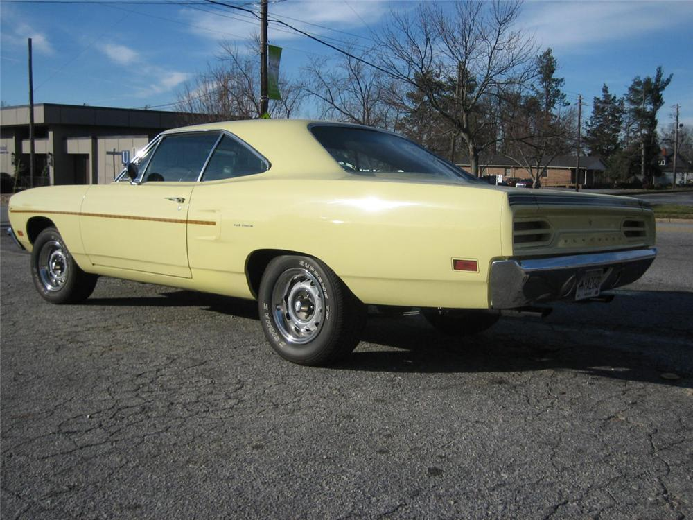 1970 PLYMOUTH ROAD RUNNER RE-CREATION COUPE - Rear 3/4 - 49753