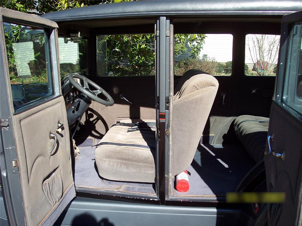 1929 DURANT D-60 CUSTOM 4 DOOR SEDAN - Interior - 49761