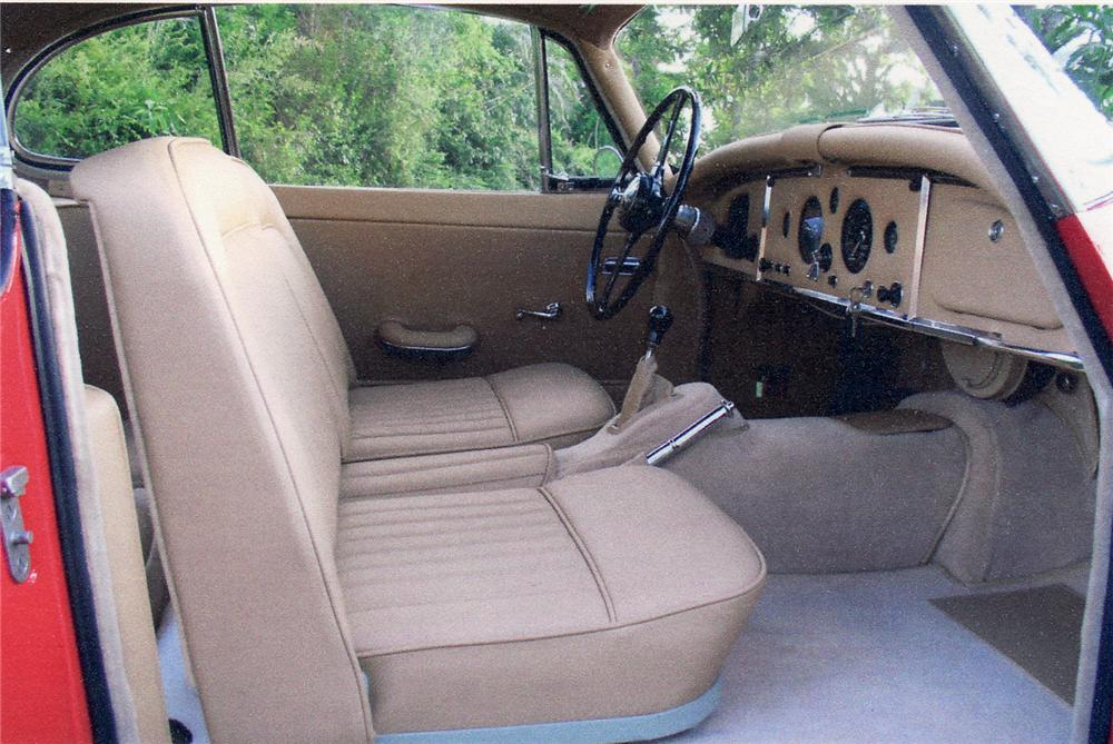 1957 JAGUAR XK 150 FHC - Interior - 49859