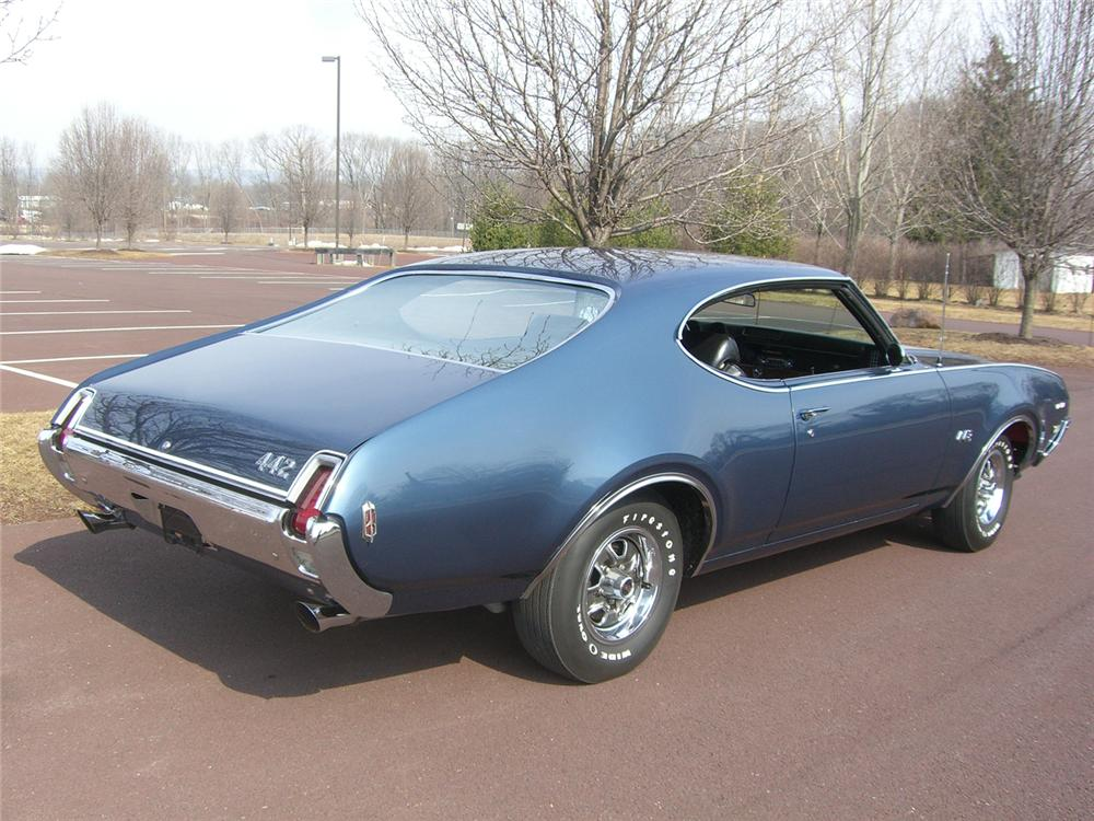1969 OLDSMOBILE 442 W30 COUPE - Rear 3/4 - 49866
