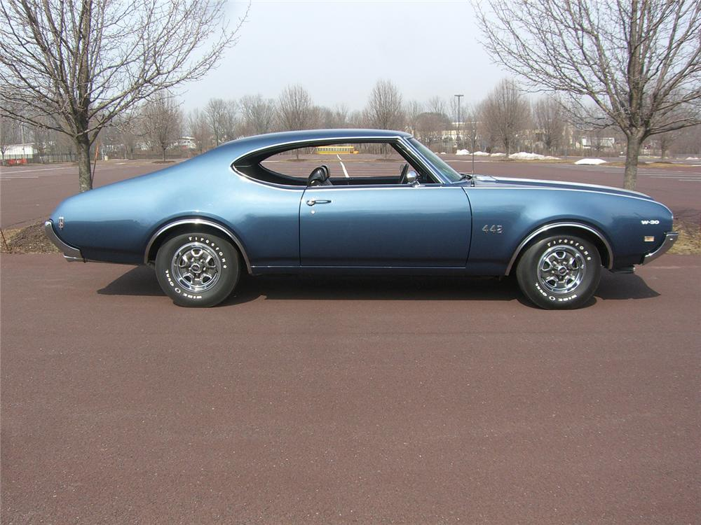 1969 OLDSMOBILE 442 W30 COUPE - Side Profile - 49866