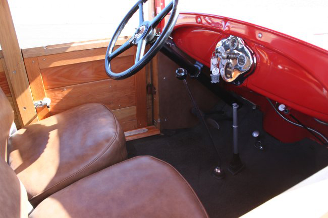 1929 FORD MODEL A WOODY - Interior - 49869