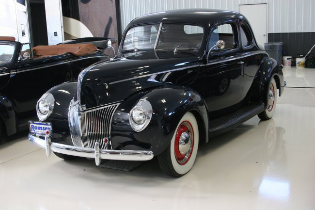 1940 FORD COUPE - Front 3/4 - 49872