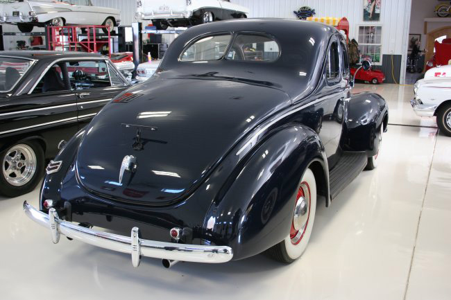 1940 FORD COUPE - Rear 3/4 - 49872