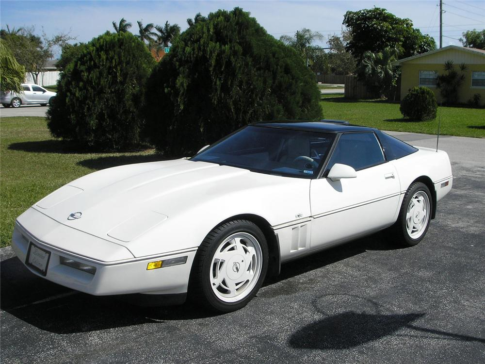 1988 CHEVROLET CORVETTE COUPE - Front 3/4 - 49973