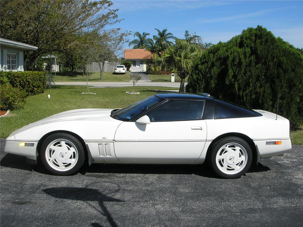 1988 CHEVROLET CORVETTE COUPE - Side Profile - 49973