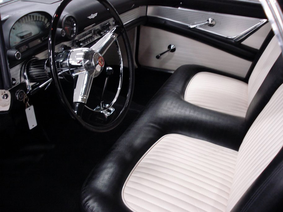 1955 FORD THUNDERBIRD CONVERTIBLE - Interior - 50025