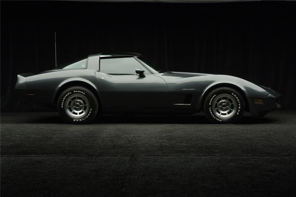 1982 CHEVROLET CORVETTE COUPE - Side Profile - 50032