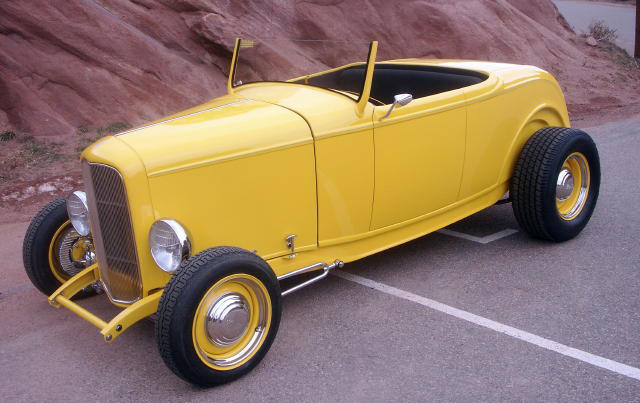 1932 FORD CUSTOM ROADSTER - Front 3/4 - 50035