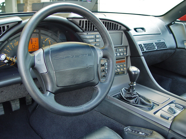 1990 CHEVROLET CORVETTE COUPE - Interior - 50040