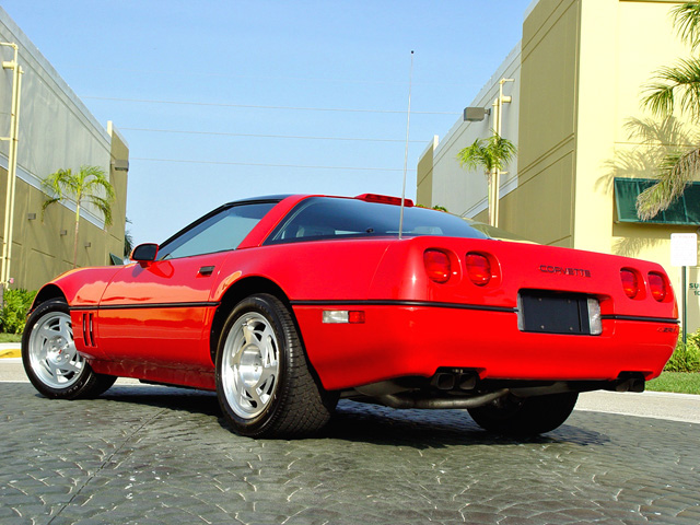1990 CHEVROLET CORVETTE COUPE - Rear 3/4 - 50040