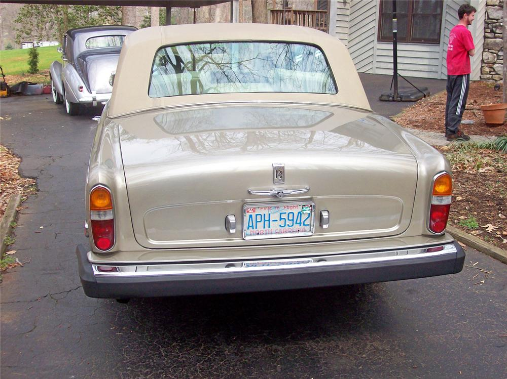 1975 ROLLS-ROYCE SILVER SHADOW 4 DOOR SEDAN - Rear 3/4 - 50244