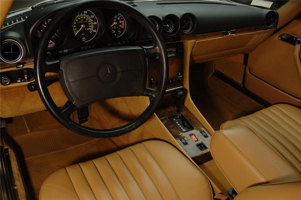1988 MERCEDES-BENZ 560SL COUPE - Interior - 50584