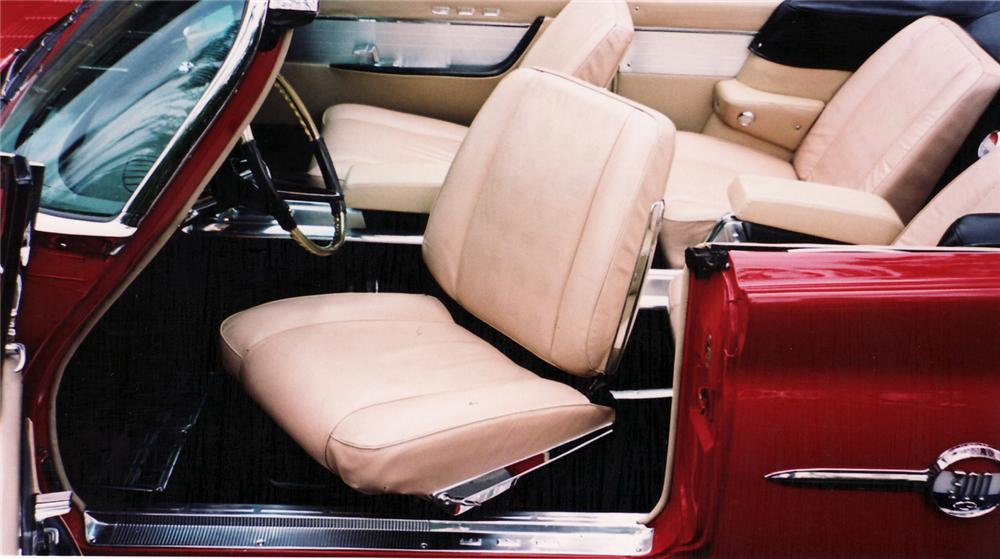 1961 CHRYSLER 300G CONVERTIBLE - Interior - 60513