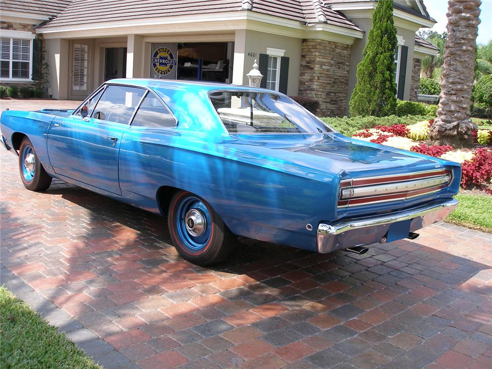 1968 PLYMOUTH ROAD RUNNER 2 DOOR HARDTOP - Rear 3/4 - 60523