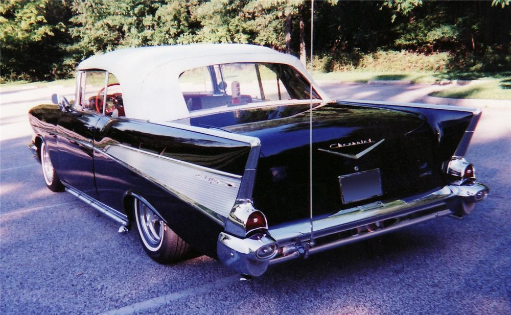 1957 CHEVROLET BEL AIR CONVERTIBLE - Rear 3/4 - 60566