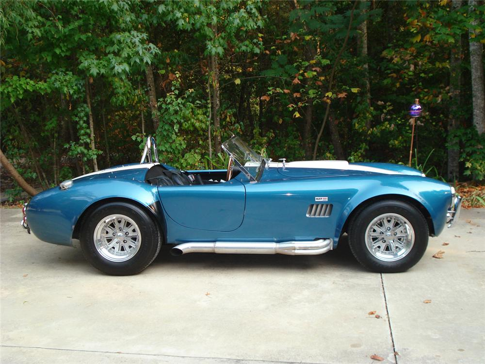1965 SHELBY COBRA ROADSTER RE-CREATION - Front 3/4 - 60627