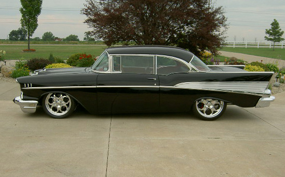 1957 CHEVROLET BEL AIR 2 DOOR HARDTOP - Side Profile - 60645