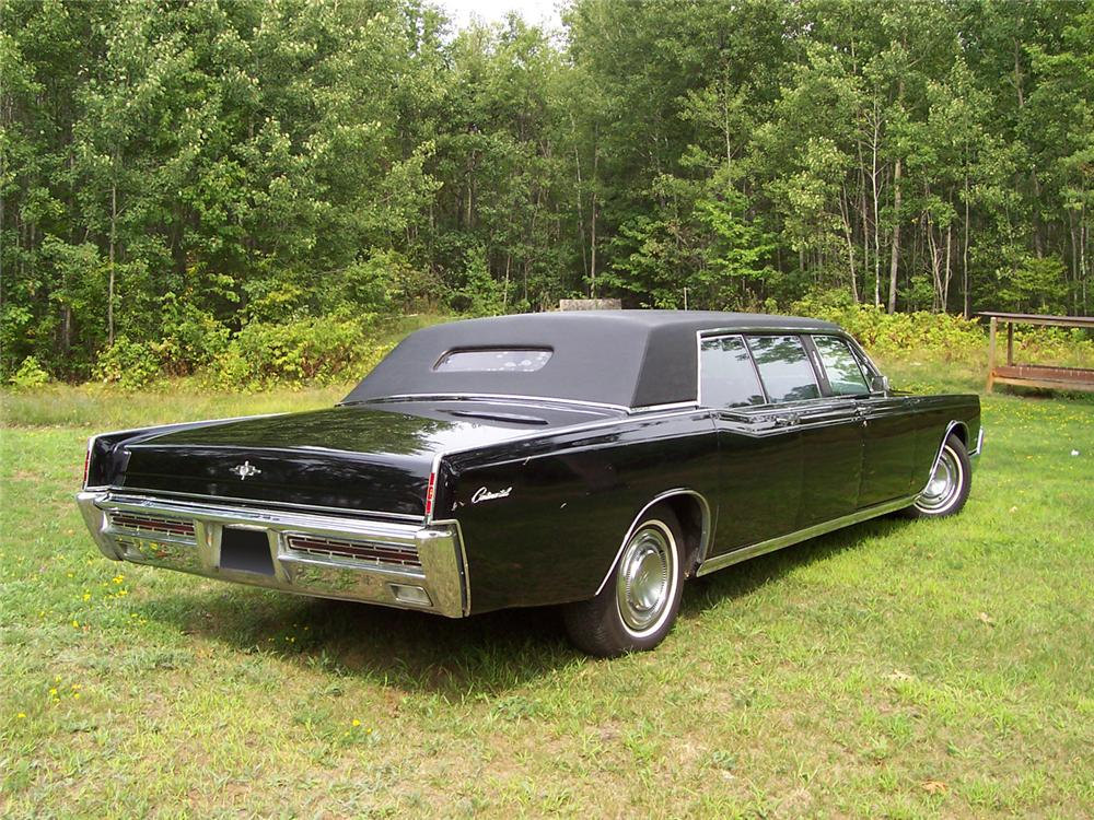 1967 LINCOLN CONTINENTAL 4 DOOR LIMOUSINE - Front 3/4 - 60676