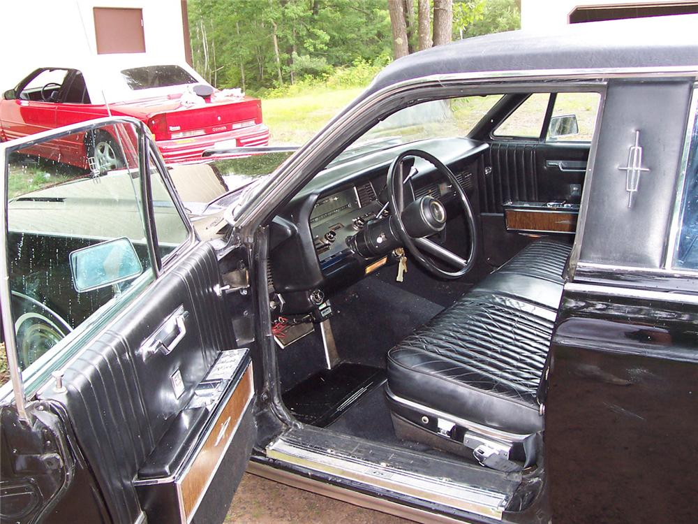 1967 LINCOLN CONTINENTAL 4 DOOR LIMOUSINE - Interior - 60676