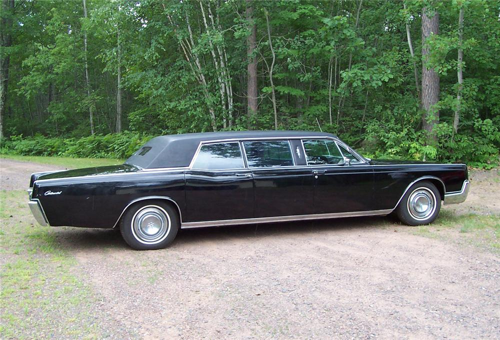 1967 LINCOLN CONTINENTAL 4 DOOR LIMOUSINE - Side Profile - 60676