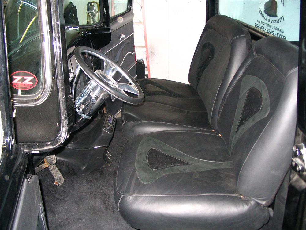 1956 FORD F-150 PICKUP - Interior - 60690