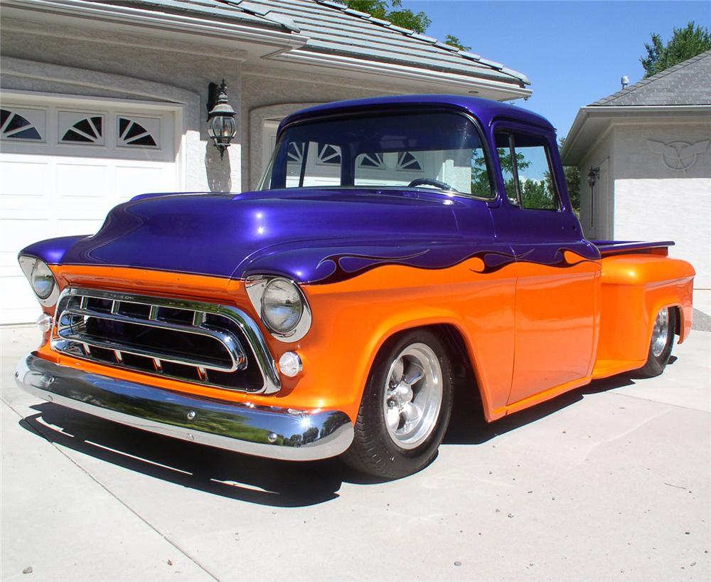 1955 CHEVROLET PICKUP - Front 3/4 - 60691