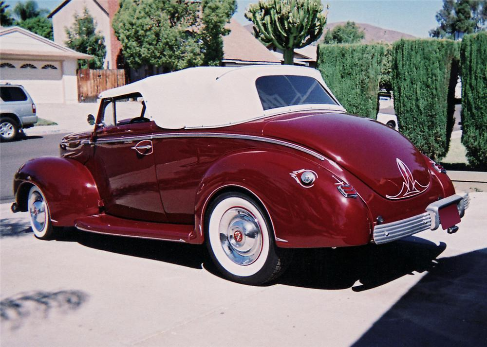 1940 FORD DELUXE CUSTOM 2 DOOR CONVERTIBLE - Rear 3/4 - 60709