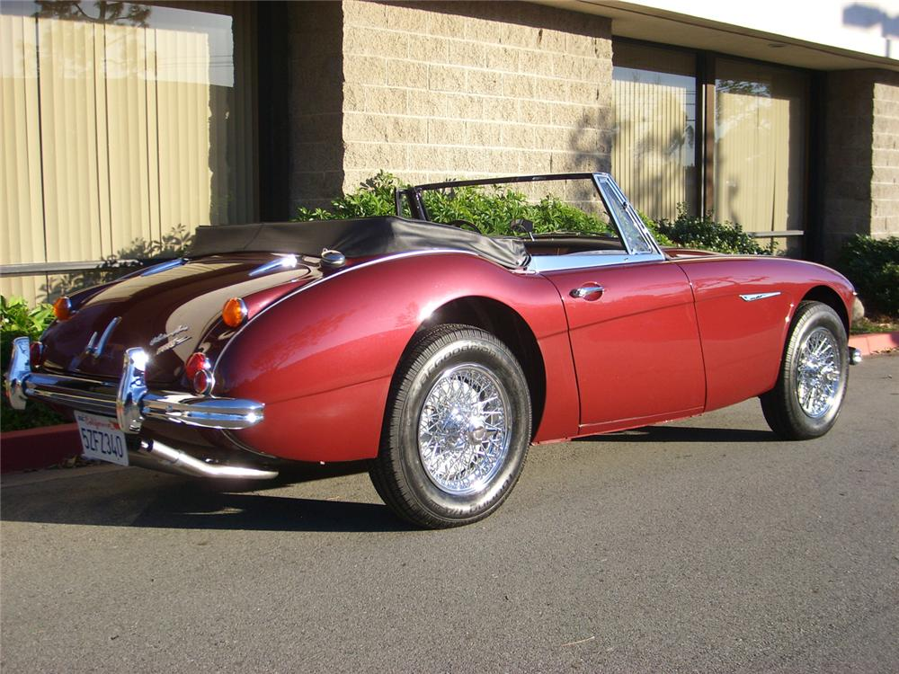 1965 AUSTIN-HEALEY 3000 MARK III BJ8 CONVERTIBLE - Rear 3/4 - 60752