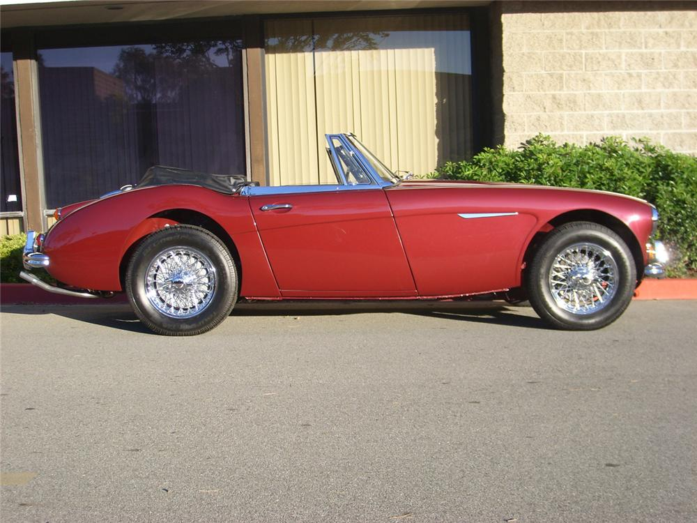 1965 AUSTIN-HEALEY 3000 MARK III BJ8 CONVERTIBLE - Side Profile - 60752