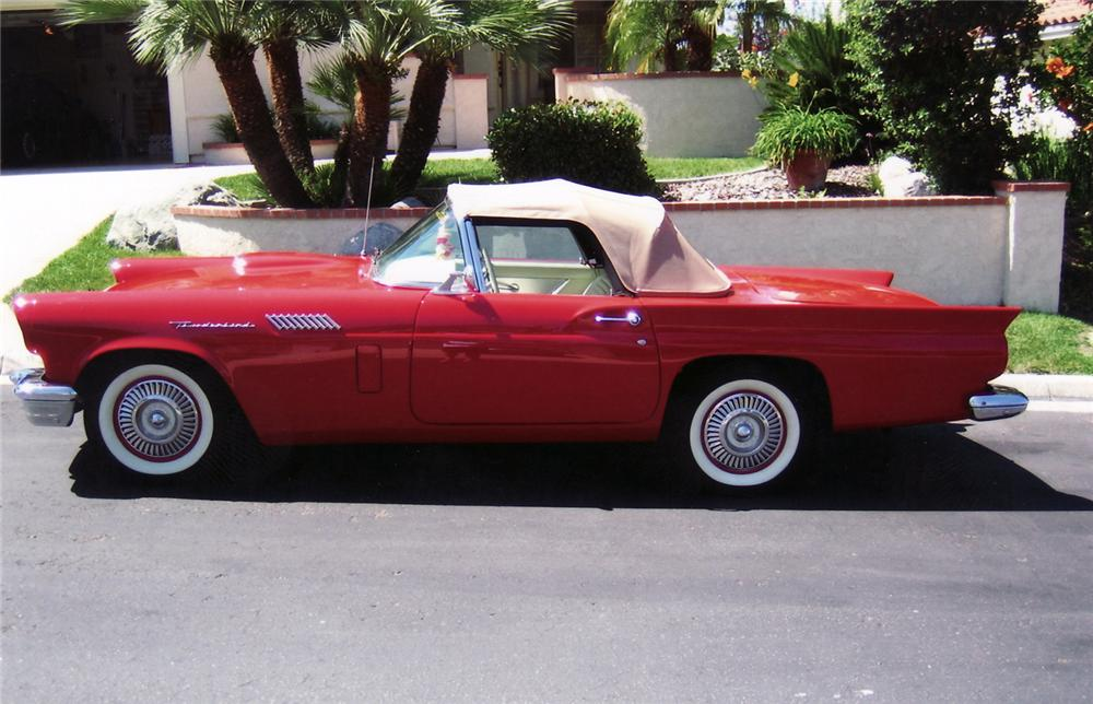 1957 FORD THUNDERBIRD CONVERTIBLE - Side Profile - 60756