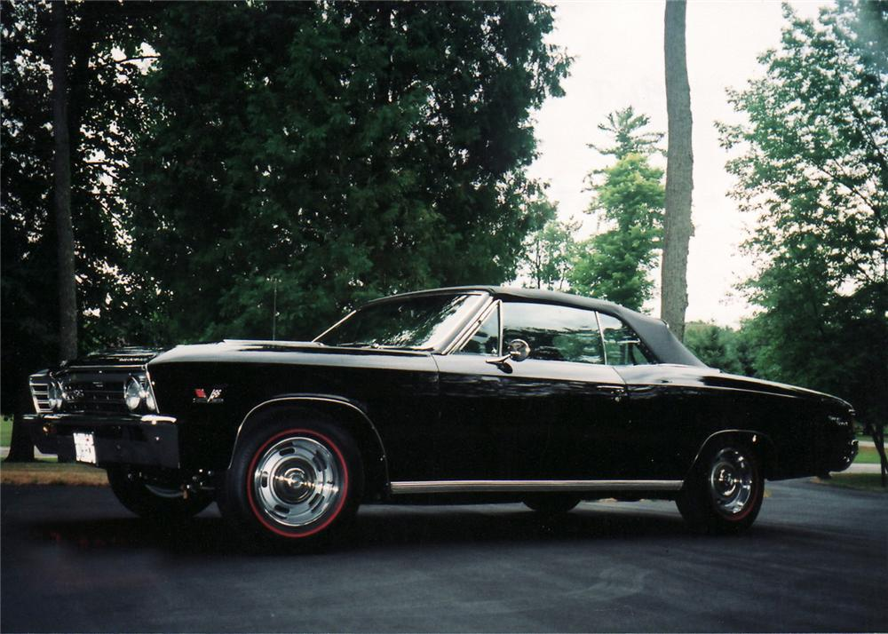 1967 CHEVROLET CHEVELLE SS 396 CONVERTIBLE - Front 3/4 - 60774