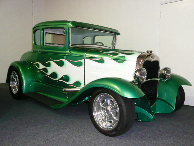 1930 FORD MODEL A 2 DOOR COUPE CUSTOM - Front 3/4 - 60781