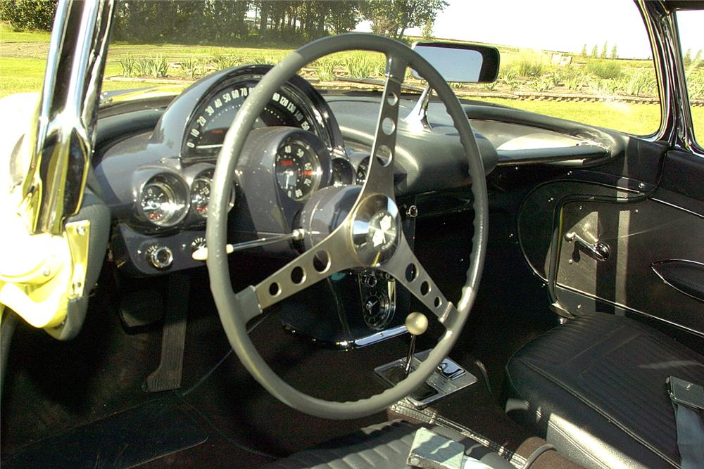 1958 CHEVROLET CORVETTE CONVERTIBLE - Interior - 60825