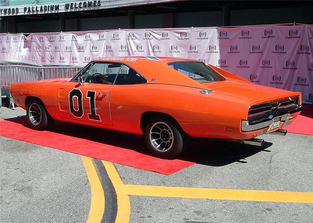 """1969 DODGE CHARGER COUPE """"BOS GENERAL LEE"""" - Rear 3/4 - 60838"""